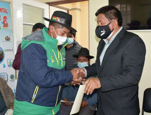SENARI participa de entrega de certificado por parte del SEDERI La Paz a regantes