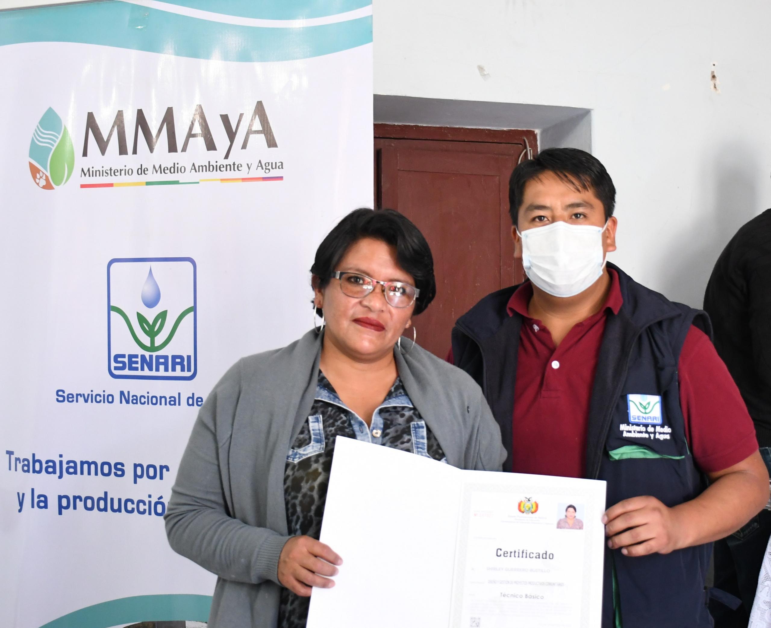 Entrega de certificados a Técnicos Básicos del Programa de Formación de Facilitadores Comunitarios en Riego (FCR)